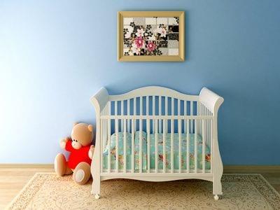 רצפת פרקט בחדר של תינוק