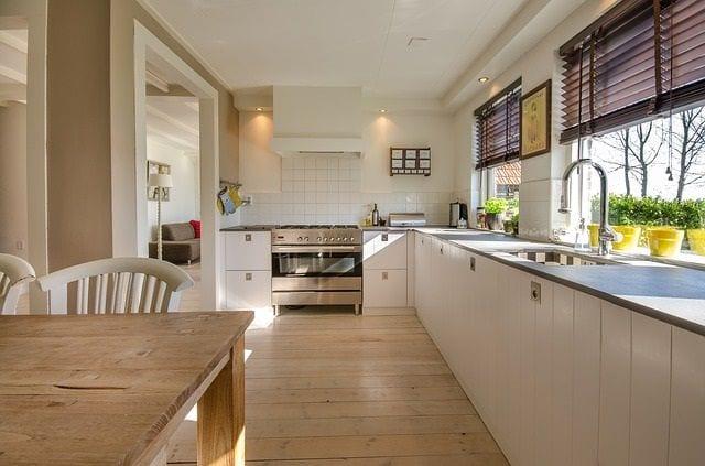 פרקט עמיד במים במטבח