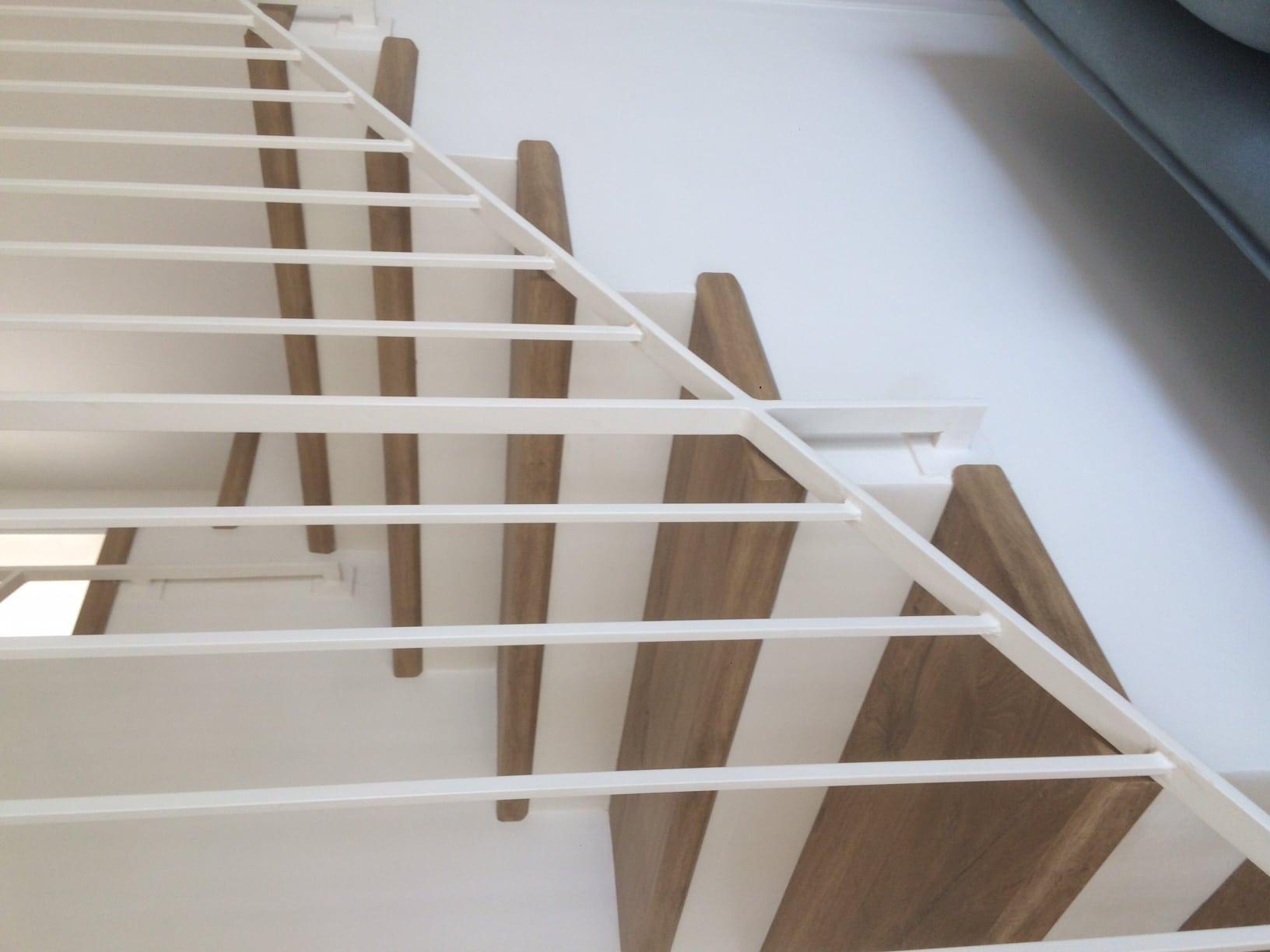 מדרגות פרקט לעליית הגג